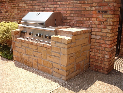 picture of custom outdoor brick BBQ
