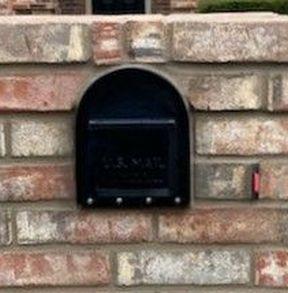Heavy Duty mailbox Insert in brick